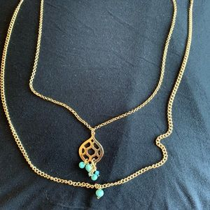 Woman accent necklace